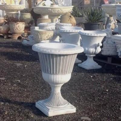 Fagyálló vázák talpas serleg kaspó