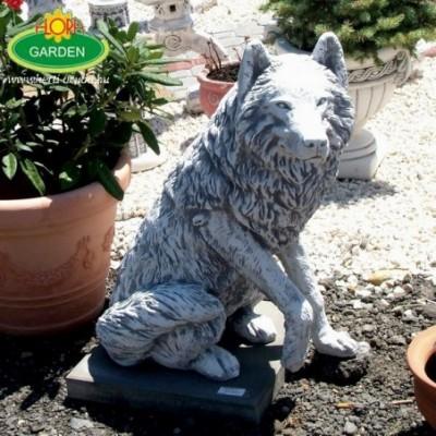 Ülő farkaskutya szobor