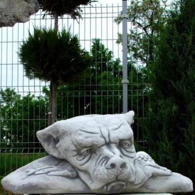 Troll őrző védő szobor