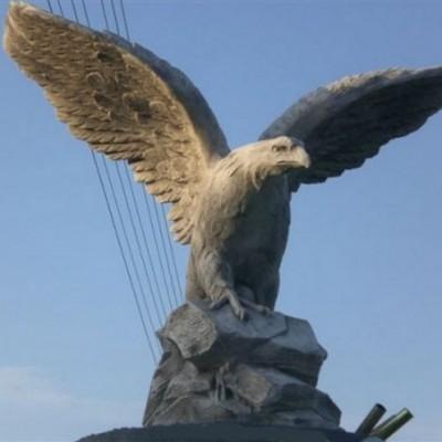 Óriás turul sas madár szobor