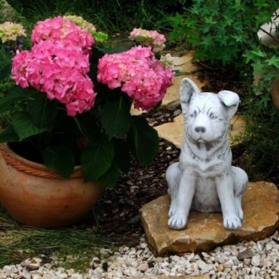 Kerti díszfigura kajla fülű kutyus