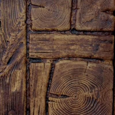 Kerti tipegő fából...