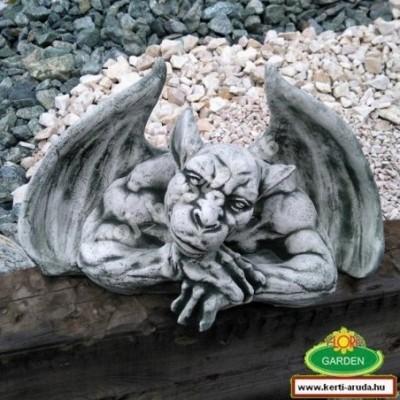 Troll sárkány kerti figura