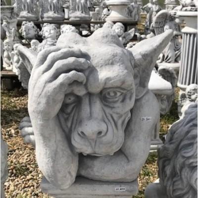 Troll figura bosszankodós