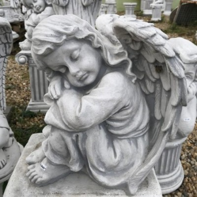 Kerti angyal szobor