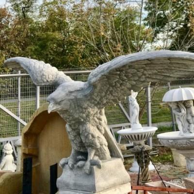 Fradi sas szobor eladó