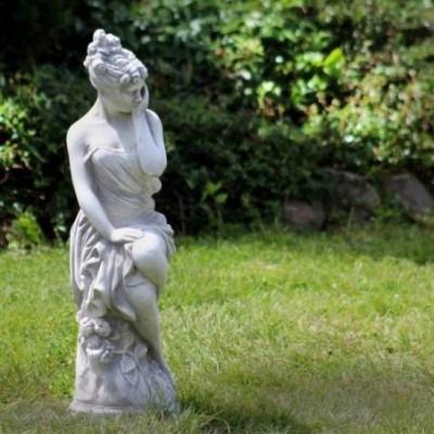Klasszikus női szobor