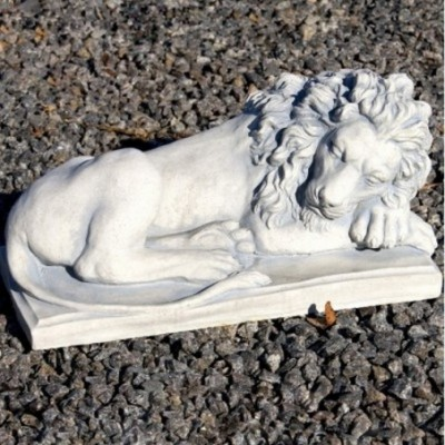 dísz oroszlán
