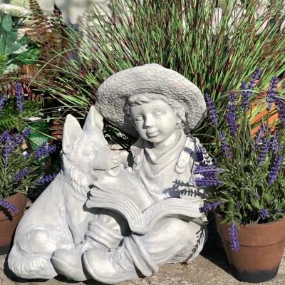 Németjuhász szobor fiúval