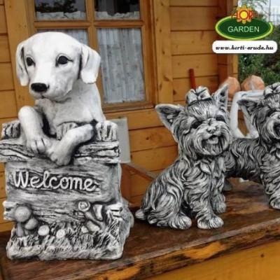 Üdvözlő kutya szobor Welcome