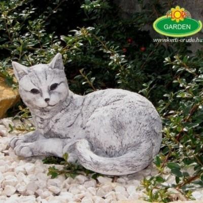 Fekvő macska kerti díszfigura