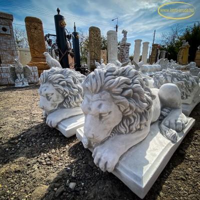 Oszlop dekoráció oroszlán