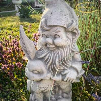 Húsvéti dekoráció kertbe