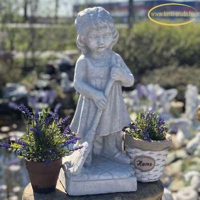 lány seprűvel szobor