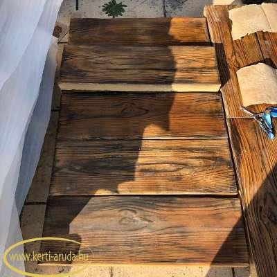 fa lépőkő